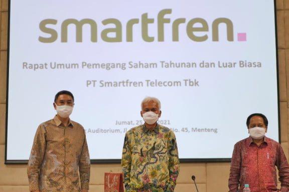 Smartfren komisaris