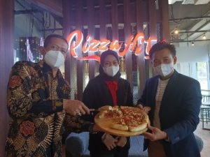 pizza hits