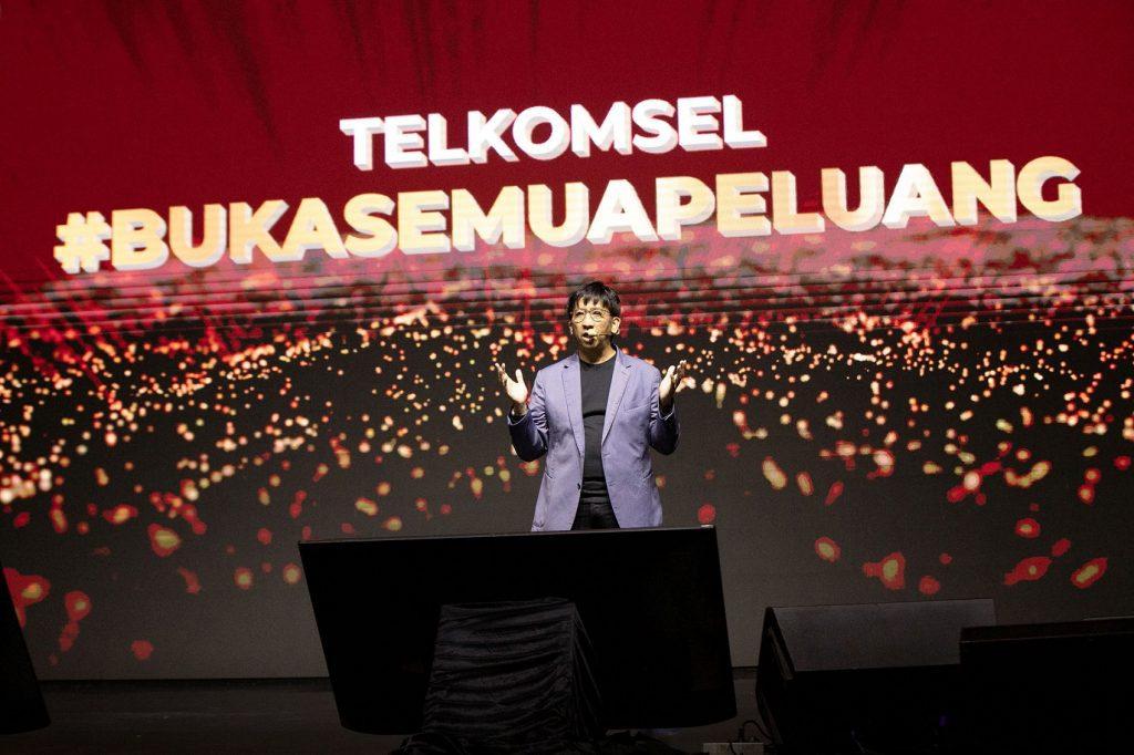telkomsel logo baru