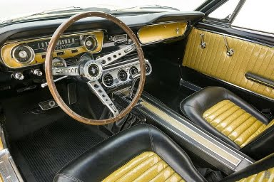 Ford Mustang Emas 2