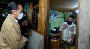 Jokowi blusukan malam