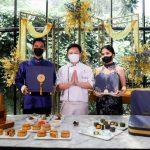 JW Marriott Surabaya Rayakan Festival Pertengahan Musim Gugur dengan Kue Bulan Teratai Emas Mewah, Secara Virtual