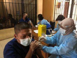 tahanan Polda Banten divaksin