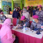 Pasmar 2 Gelar Vaksinasi untuk Masyarakat Maritim Desa Pabean Sedati